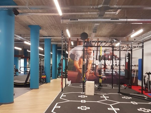 Jetts 24 Hour Fitness (interior)